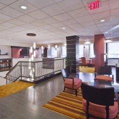 Отель Hampton Inn And Suites Columbus Downtown Колумбус гостиничный бар