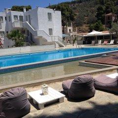 Отель Cascade Holiday Resort Греция, Метана - отзывы, цены и фото номеров - забронировать отель Cascade Holiday Resort онлайн бассейн фото 3