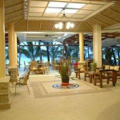 Отель Two Seasons Boracay Resort интерьер отеля