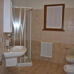 Отель Casa Vacanza La Rocca Киеза-ин-Вальмаленко ванная фото 2