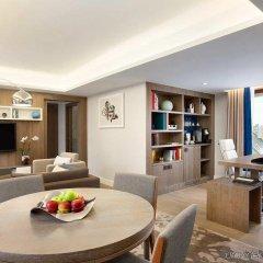 Отель Hilton Stockholm Slussen Швеция, Стокгольм - 9 отзывов об отеле, цены и фото номеров - забронировать отель Hilton Stockholm Slussen онлайн комната для гостей фото 3