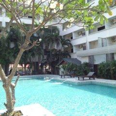The Zen Hotel Pattaya бассейн