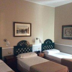 Отель Colony комната для гостей фото 2