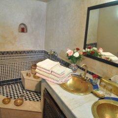 Отель Riad Adarissa Марокко, Фес - отзывы, цены и фото номеров - забронировать отель Riad Adarissa онлайн бассейн фото 3