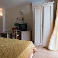 Апартаменты Studio with Balcony & Pool View удобства в номере