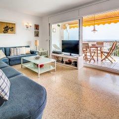 Отель Apartamento Vivalidays Es Blau Испания, Бланес - отзывы, цены и фото номеров - забронировать отель Apartamento Vivalidays Es Blau онлайн комната для гостей фото 5