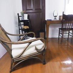Отель 24 Samsen Heritage House Бангкок удобства в номере фото 2