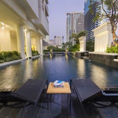 Отель Grande Centre Point Hotel Ploenchit Таиланд, Бангкок - 3 отзыва об отеле, цены и фото номеров - забронировать отель Grande Centre Point Hotel Ploenchit онлайн бассейн фото 2
