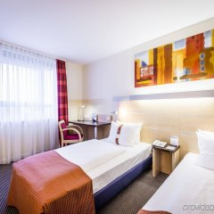 Отель Holiday Inn Express Duesseldorf City Nord Германия, Дюссельдорф - 12 отзывов об отеле, цены и фото номеров - забронировать отель Holiday Inn Express Duesseldorf City Nord онлайн комната для гостей фото 5