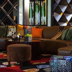Renaissance Shanghai Yu Garden Hotel развлечения