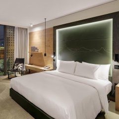Отель Hilton Munich Airport Германия, Мюнхен - 7 отзывов об отеле, цены и фото номеров - забронировать отель Hilton Munich Airport онлайн комната для гостей фото 3