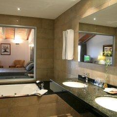Отель San Carlos Испания, Курорт Росес - отзывы, цены и фото номеров - забронировать отель San Carlos онлайн ванная