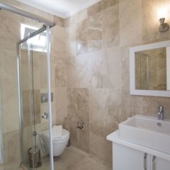 Villa Mary by Akdenizvillam Турция, Калкан - отзывы, цены и фото номеров - забронировать отель Villa Mary by Akdenizvillam онлайн ванная фото 2