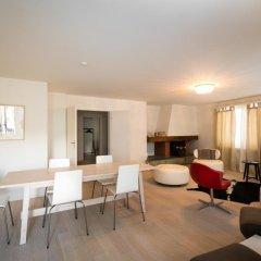 Отель Limmat River Side Apartment by Airhome Швейцария, Цюрих - отзывы, цены и фото номеров - забронировать отель Limmat River Side Apartment by Airhome онлайн комната для гостей фото 4