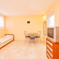 Отель Guest House Nadin Болгария, Поморие - отзывы, цены и фото номеров - забронировать отель Guest House Nadin онлайн детские мероприятия фото 2