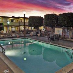 Отель Hollywood Inn Express South США, Лос-Анджелес - отзывы, цены и фото номеров - забронировать отель Hollywood Inn Express South онлайн с домашними животными
