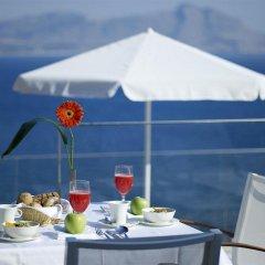 Lindos Blu Luxury Hotel & Suites - Adults Only в номере