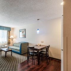 Отель Mainstay Suites Frederick комната для гостей фото 4