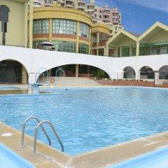 Отель Ramada by Wyndham Lisbon бассейн фото 2