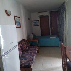 Отель Aparthotel Almonsa Platja Испания, Салоу - 6 отзывов об отеле, цены и фото номеров - забронировать отель Aparthotel Almonsa Platja онлайн удобства в номере