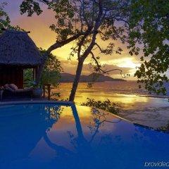 Отель Namale The Fiji Islands Resort & Spa Савусаву бассейн