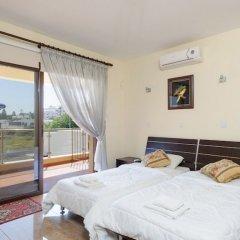 Отель Fig Tree Bay Villa 10 Кипр, Протарас - отзывы, цены и фото номеров - забронировать отель Fig Tree Bay Villa 10 онлайн комната для гостей фото 2
