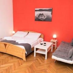 Отель Welcome Charles Bridge Apartments Чехия, Прага - отзывы, цены и фото номеров - забронировать отель Welcome Charles Bridge Apartments онлайн комната для гостей