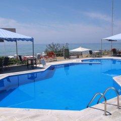 Отель Corfu Glyfada Menigos Resort бассейн