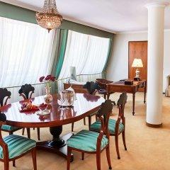 Отель Kempinski Hotel Corvinus Budapest Венгрия, Будапешт - 6 отзывов об отеле, цены и фото номеров - забронировать отель Kempinski Hotel Corvinus Budapest онлайн в номере фото 2