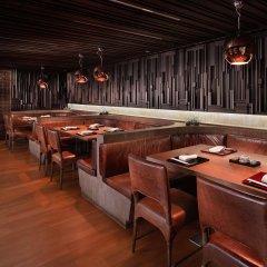 Отель Westin Grande Sukhumvit Бангкок гостиничный бар