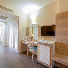 Crystal Sunrise Queen Luxury Resort & Spa Турция, Сиде - 1 отзыв об отеле, цены и фото номеров - забронировать отель Crystal Sunrise Queen Luxury Resort & Spa - All Inclusive онлайн удобства в номере