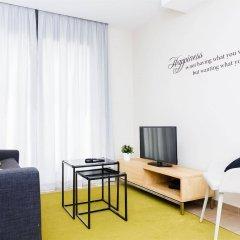 Апартаменты Feelathome Plaza Apartments комната для гостей фото 2