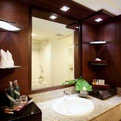 Отель Twin Towers Hotel Таиланд, Бангкок - 1 отзыв об отеле, цены и фото номеров - забронировать отель Twin Towers Hotel онлайн ванная фото 2