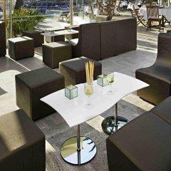Отель Novotel Cannes Montfleury Франция, Канны - отзывы, цены и фото номеров - забронировать отель Novotel Cannes Montfleury онлайн гостиничный бар