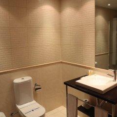 Отель HLG CityPark Sant Just Испания, Сан-Жуст-Десверн - отзывы, цены и фото номеров - забронировать отель HLG CityPark Sant Just онлайн ванная фото 2