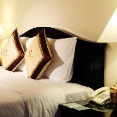 Century Riverside Hotel Hue сейф в номере
