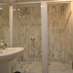 Отель MyNice Valrose Ницца ванная