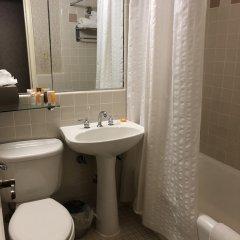 Отель The Roosevelt Hotel, New York City США, Нью-Йорк - 9 отзывов об отеле, цены и фото номеров - забронировать отель The Roosevelt Hotel, New York City онлайн ванная