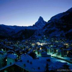 Отель Swiss Alpine Hotel Allalin Швейцария, Церматт - отзывы, цены и фото номеров - забронировать отель Swiss Alpine Hotel Allalin онлайн балкон