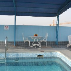 Ramee Guestline Hotel бассейн