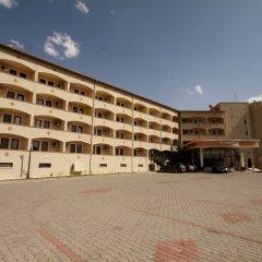 Hotel Yiltok Аванос парковка