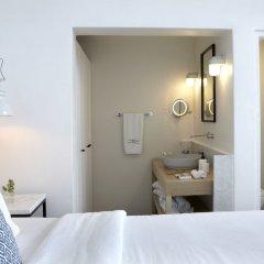 Отель Honeymoon Petra Villas сейф в номере