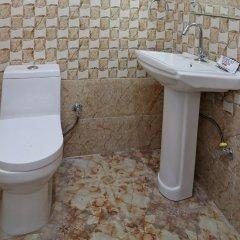 OYO 14711 Hotel Natraj ванная фото 2