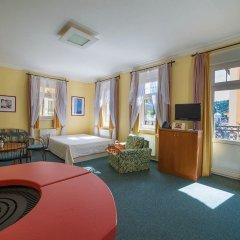 Отель FESTIVAL Hotel Apartments Чехия, Карловы Вары - отзывы, цены и фото номеров - забронировать отель FESTIVAL Hotel Apartments онлайн комната для гостей фото 12