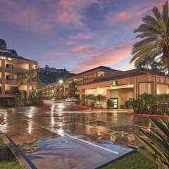 Отель La Quinta Inn & Suites San Diego SeaWorld/Zoo Area бассейн фото 2