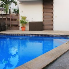 Апартаменты Greystone Apartments 01 бассейн