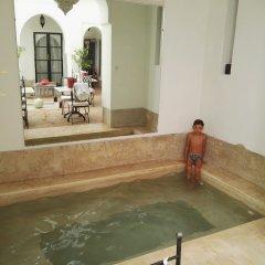 Отель Riad Chi-Chi Марокко, Марракеш - отзывы, цены и фото номеров - забронировать отель Riad Chi-Chi онлайн бассейн фото 2