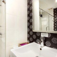 Отель Bally Suite Silom Бангкок ванная