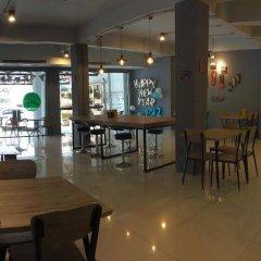 Отель Youth Hostel Таиланд, Паттайя - 1 отзыв об отеле, цены и фото номеров - забронировать отель Youth Hostel онлайн питание фото 2