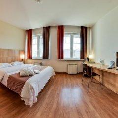 Гостиница Ибис Сибирь Омск в Омске 2 отзыва об отеле, цены и фото номеров - забронировать гостиницу Ибис Сибирь Омск онлайн комната для гостей фото 4